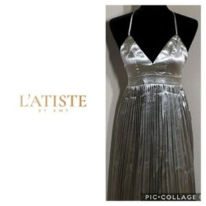 L'ATISTE BY AMY Silver Metallic Pleated Dress
